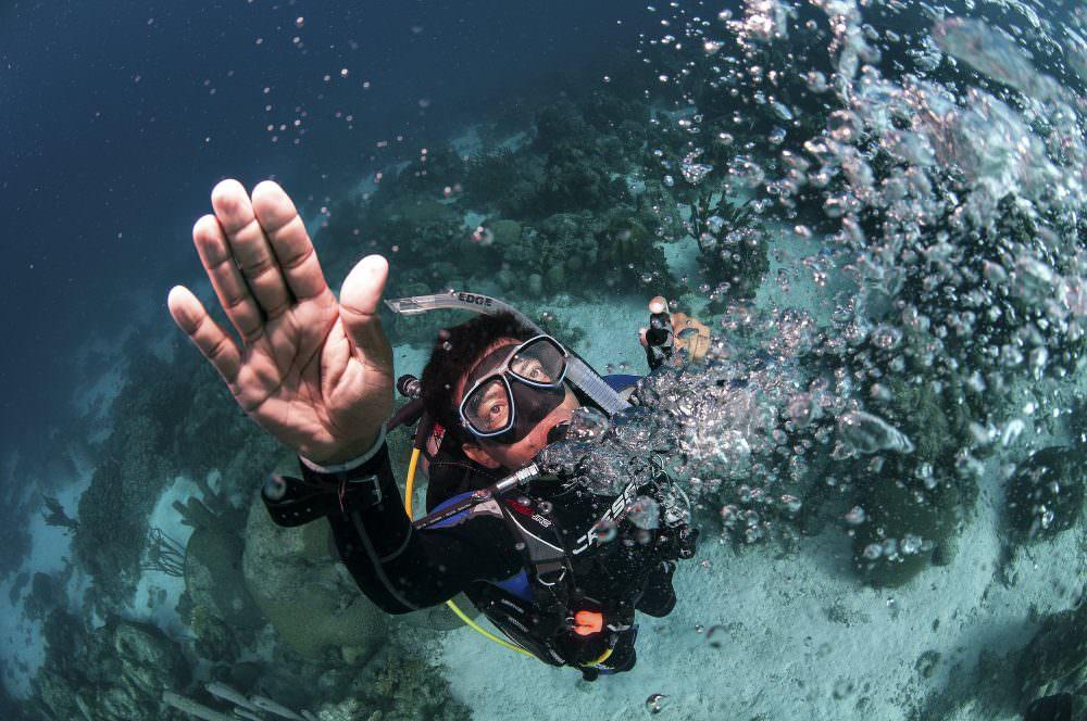 diver bubbles