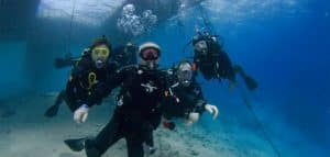 Underwater Signals diver group